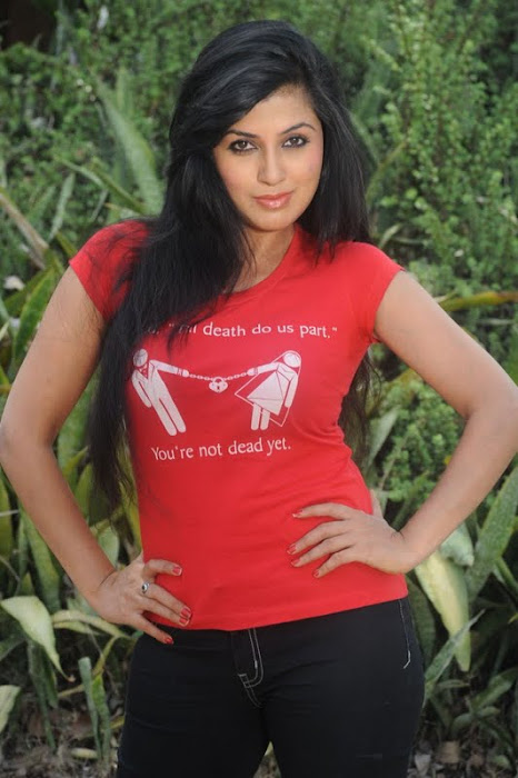 aarti puri latest photos