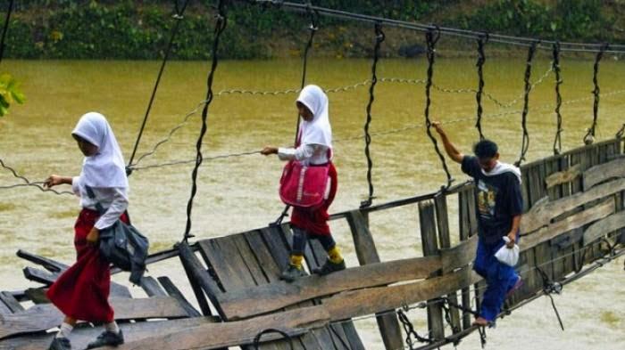 Anak Desa Manunggul Lama Terancam Tak Bisa ke Sekolah