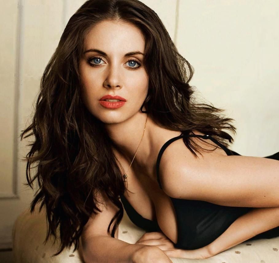 alison brie hot - photo #12