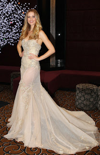 Model Gaun Malam