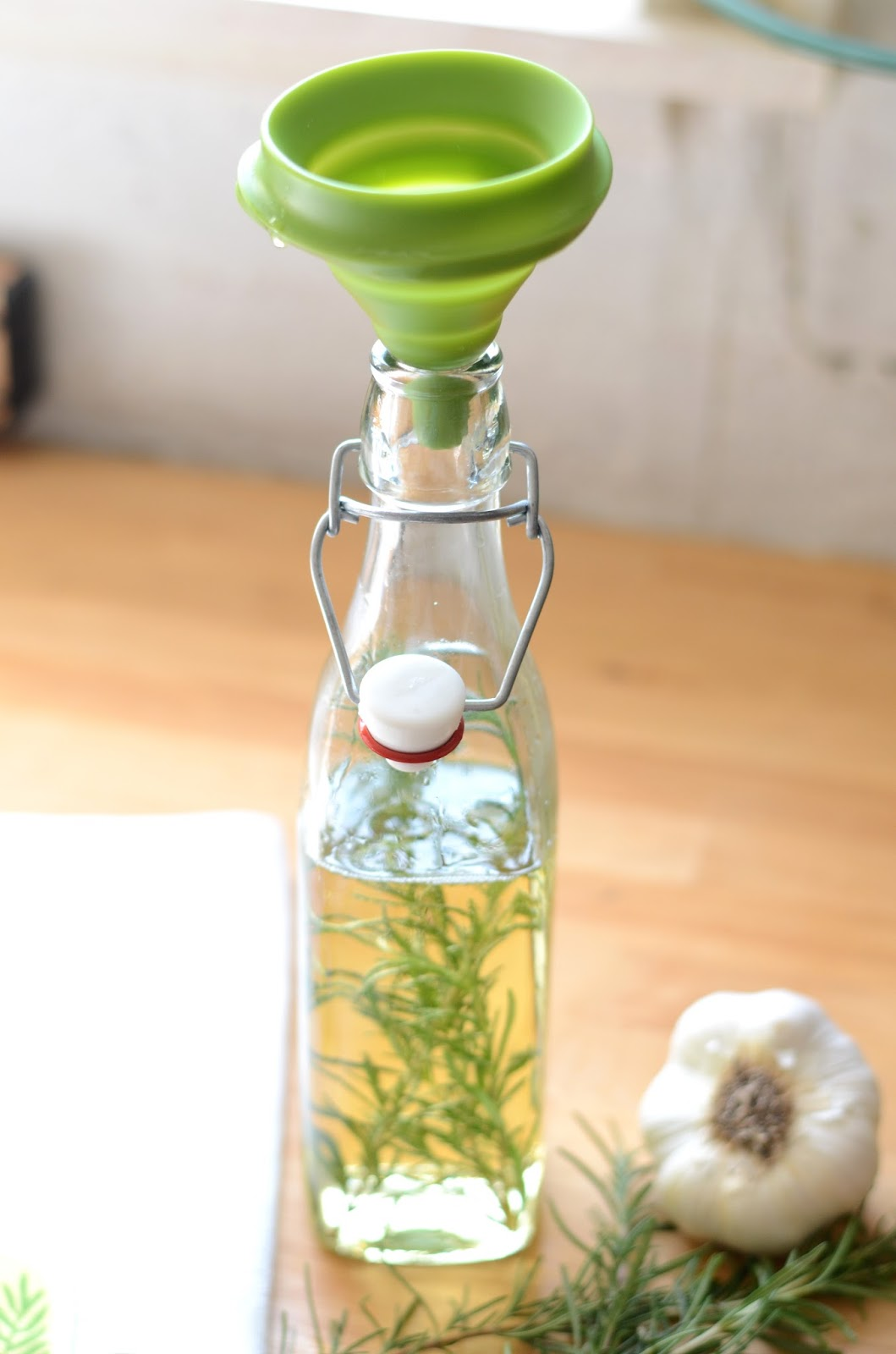 Recipe+Rosemary+Garlic+Infused+Olive+Oil,+herb+infused+DIY+(4).JPG