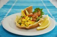 Valion uutusvoit maistuvat karibialaisessa salaatissa
