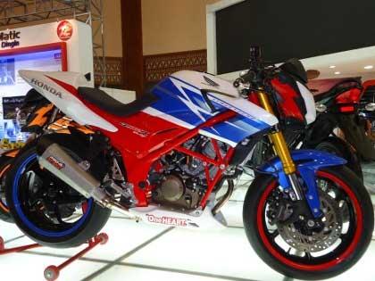 Foto Modifikasi Honda CB150R Terbaru title=