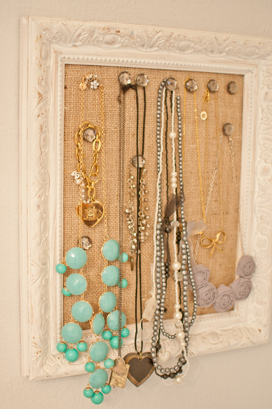 Domestic fashionista diy cork board jewelry frame solutioingenieria Images