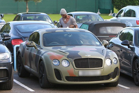 Mario Balotelli and his Camouflage Bentley Continental GT