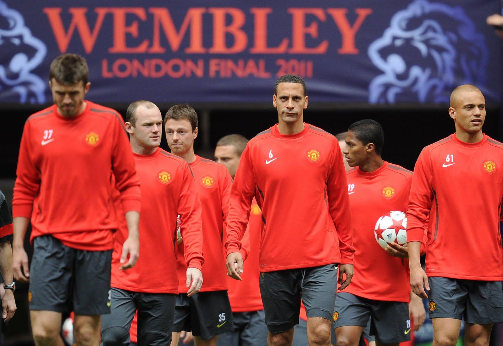 http://2.bp.blogspot.com/-k8ABNwafwBM/TeBISvmrpvI/AAAAAAAAFQI/rGOr8OKuwHk/s1600/Man+Utd+At+Wembley.jpg
