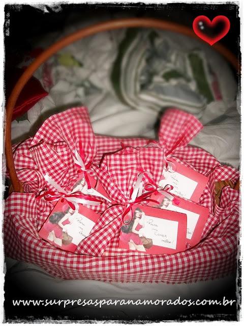 cesta chapeuzinho vermelho erótica