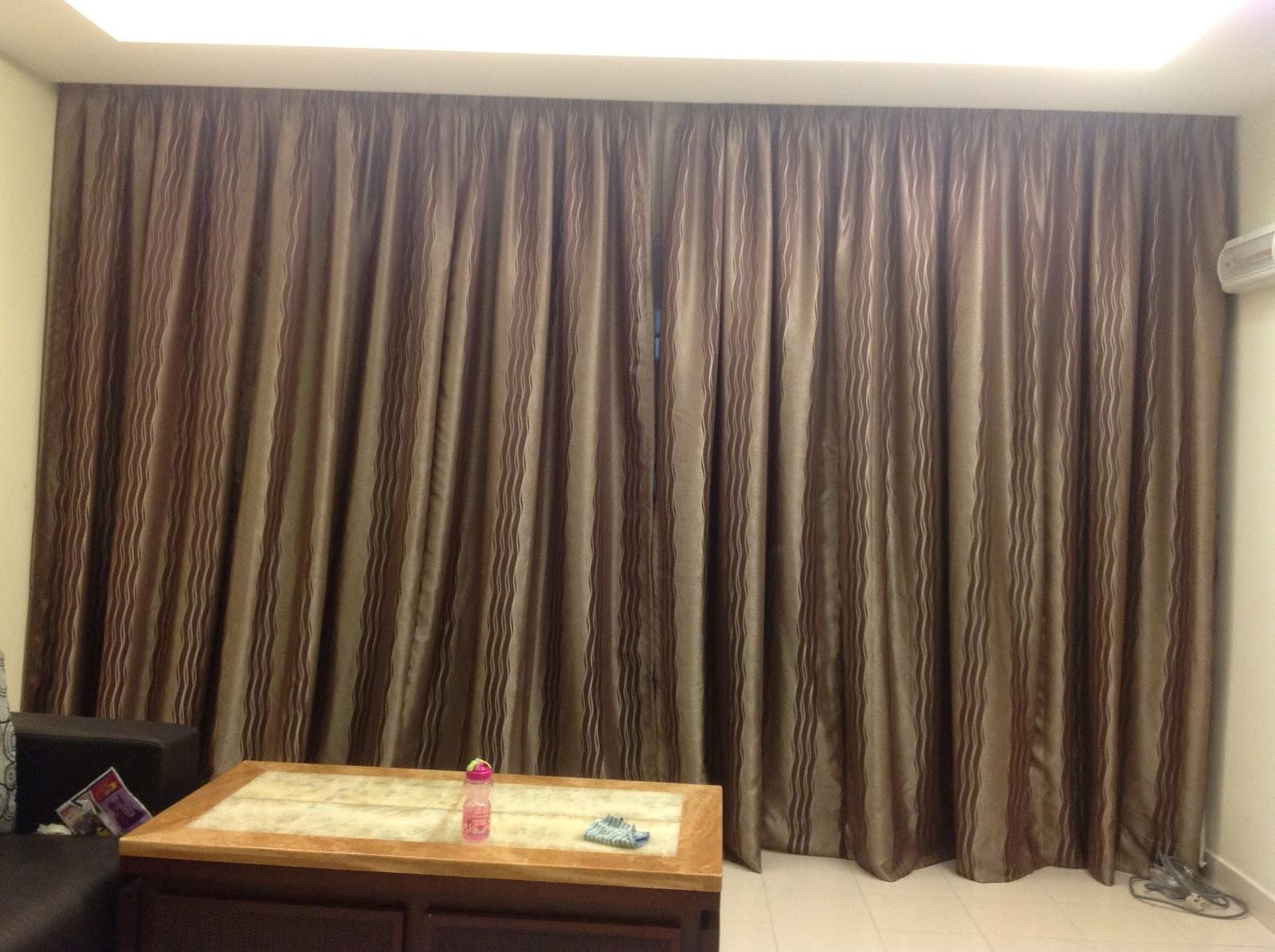 Ruang tamu memang buat langsir penuh….ada sekali day&night curtain ...