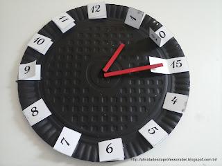 Relógio marcando 1 hora e 15 minutos