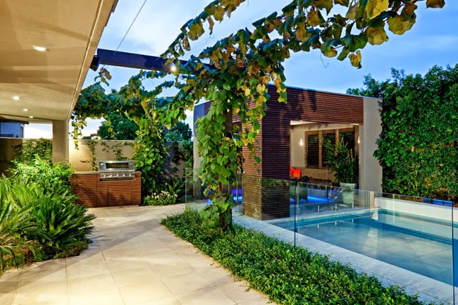 Casas minimalistas y modernas exteriores modernos - Jardines exteriores de casas modernas ...