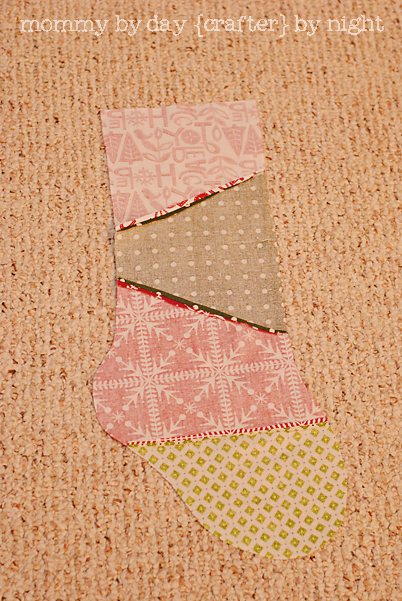 Quilted Christmas Stocking Tutorial on { lilluna.com } Super adorable stocking that you can customize with your own taste!