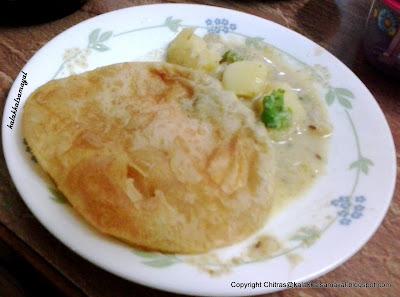 Poori with Urulaikizhangu kuruma [ Potato Kuruma ]