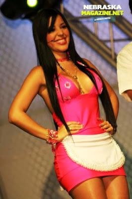 Jimena Araya, Rosita facebook y fotos.
