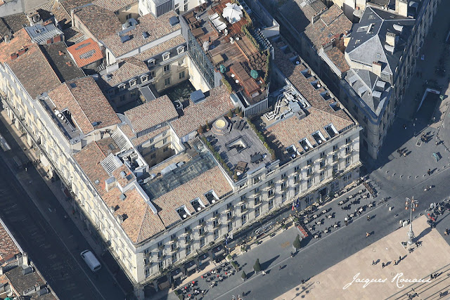 Vue aerienne de l'hotel regent de Bordeaux. Un Palace en centre ville