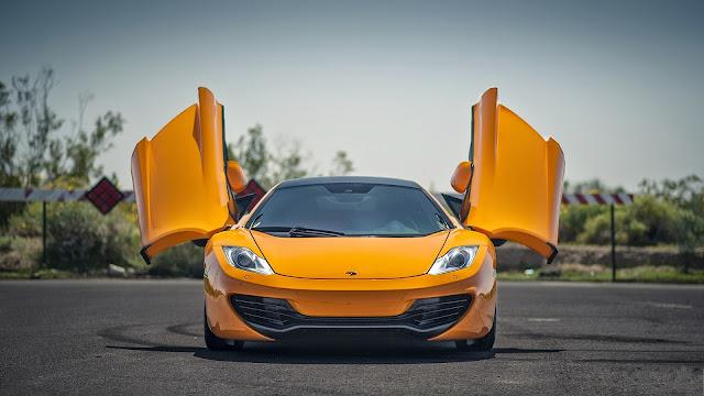 Fondo de Escritorio McLaren MP4-12c Amarillo