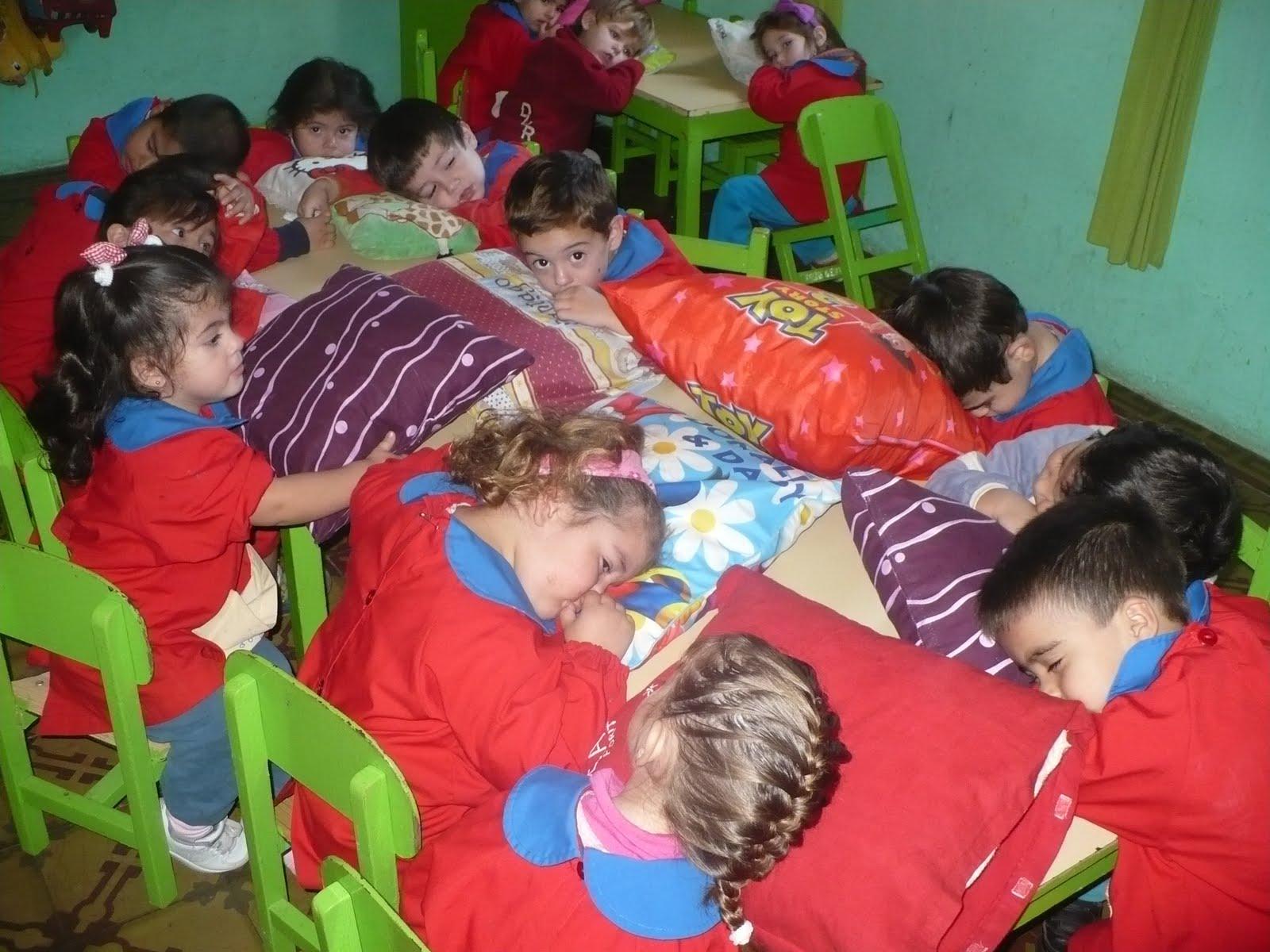 Jard n maternal las aventuras de cristian y diego hora for Actividades para jardin maternal sala de 2