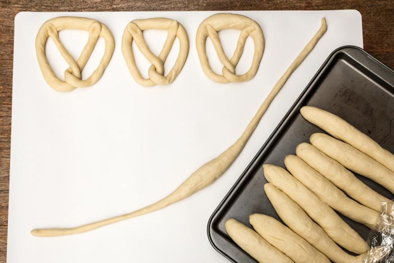 Pretzel dough rope for pretzel knots | Svelte Salivations