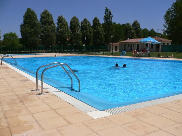 Cubiertas piscinas feng shui en la piscina for En la piscina