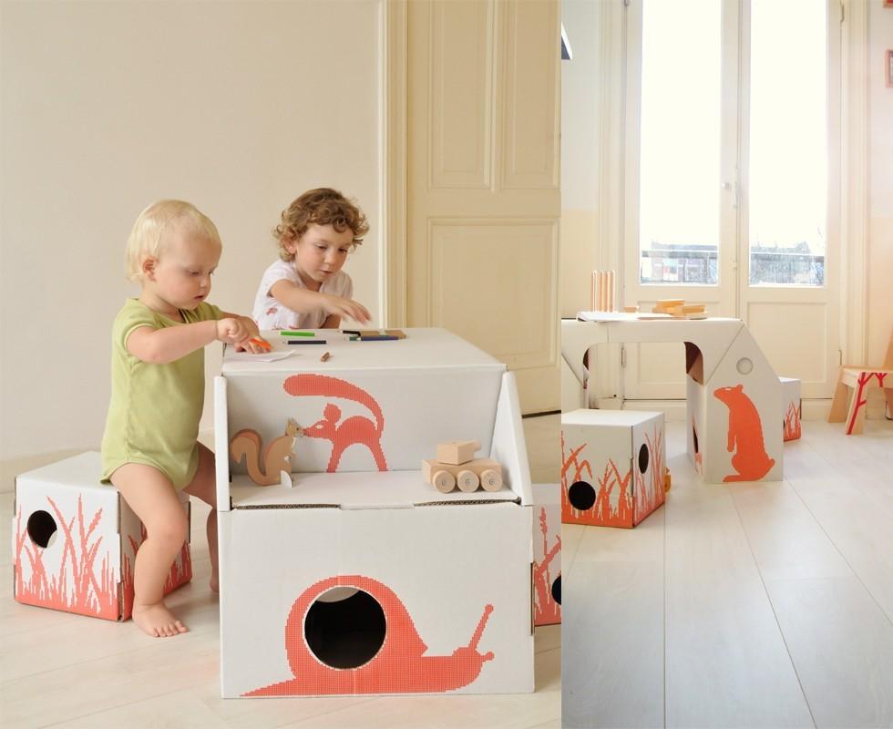 Detrás de mi puerta: Muebles y juguetes de carton para los niños.