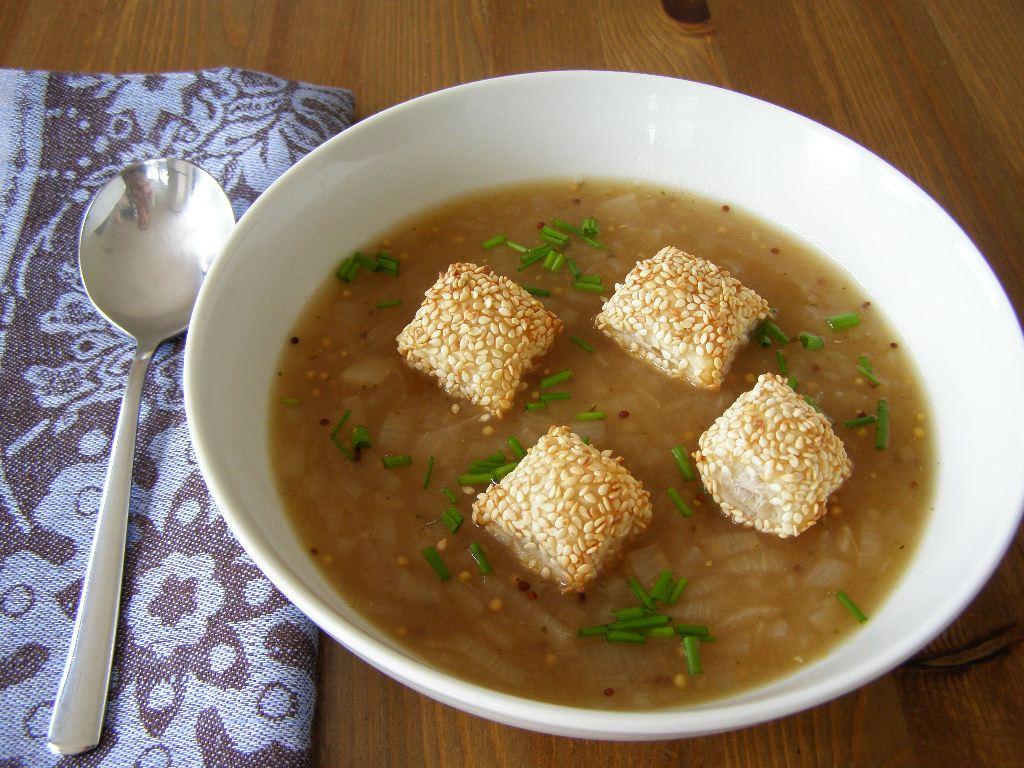 Watch Golden Onion Soup video