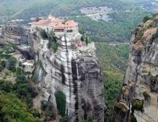 5 Rumah Yang Lokasinya Paling Unik Di Dunia [ www.BlogApaAja.com ]