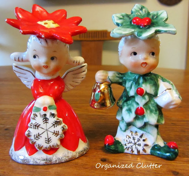 Napco 1956 Christmas S & P Shakers http://organizedclutterqueen.blogspot.com/2013/10/thrifting-and-antique-shopping.html