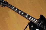 ギターのフィンガーボードには、「丸い点」などのポジションマークがありますが、 .