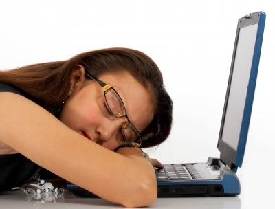 http://2.bp.blogspot.com/-kB0jm4ZXlJE/T_r-oX64TzI/AAAAAAAAANQ/YYb3X35Iz6I/s1600/girl+sleeping+at+computer.JPG