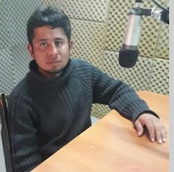 Mochilero denuncia maltrato policial en Piedra del Aguila