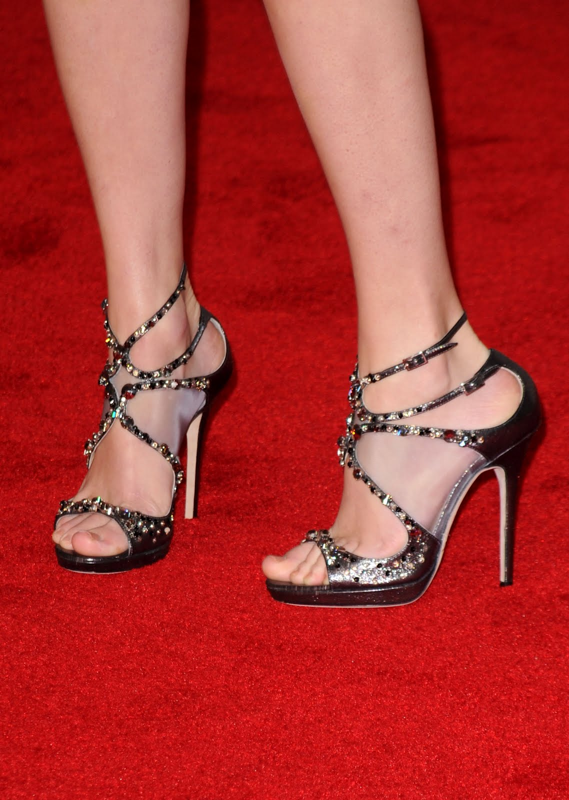 Taylor_swift_feet_006jpg