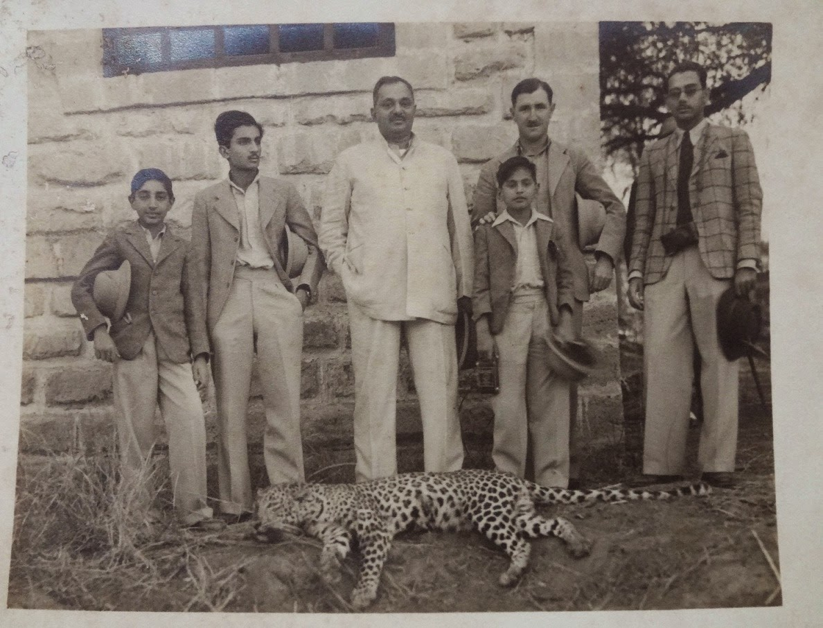 Hunting Trip of Maharaja Nawanagar and Group