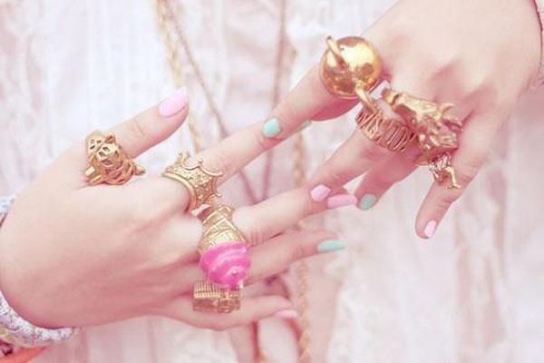 Anelismo - mix de aneis dourados - tendência