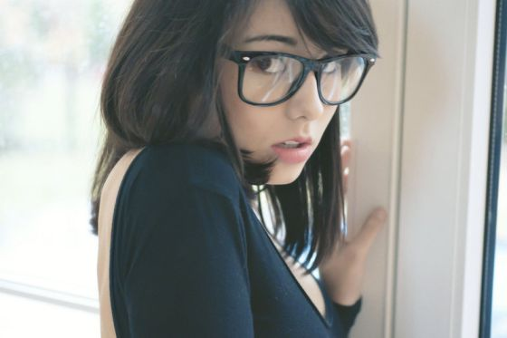 Laura Baduria - misslaurelle deviantart linda modelo meiga de óculos fetiche