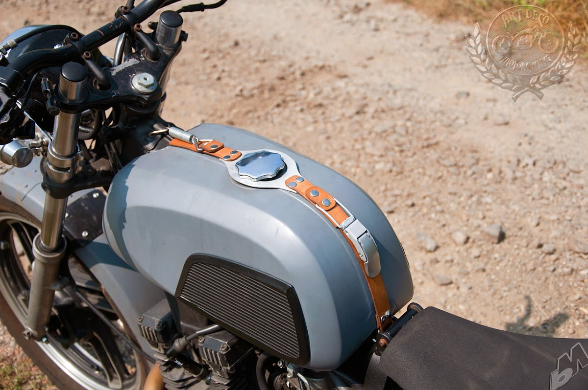 1982 yamaha xs400 gas tank and handlebars