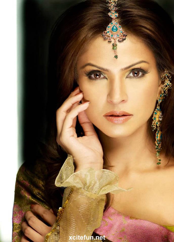 fouzia amir wedding makeup looks