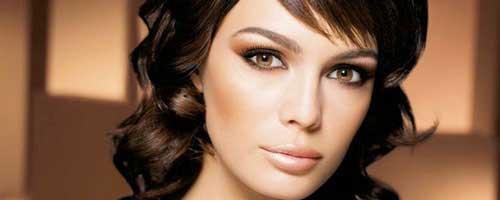 trucos de maquillaje fantasticos para mujeres morenas