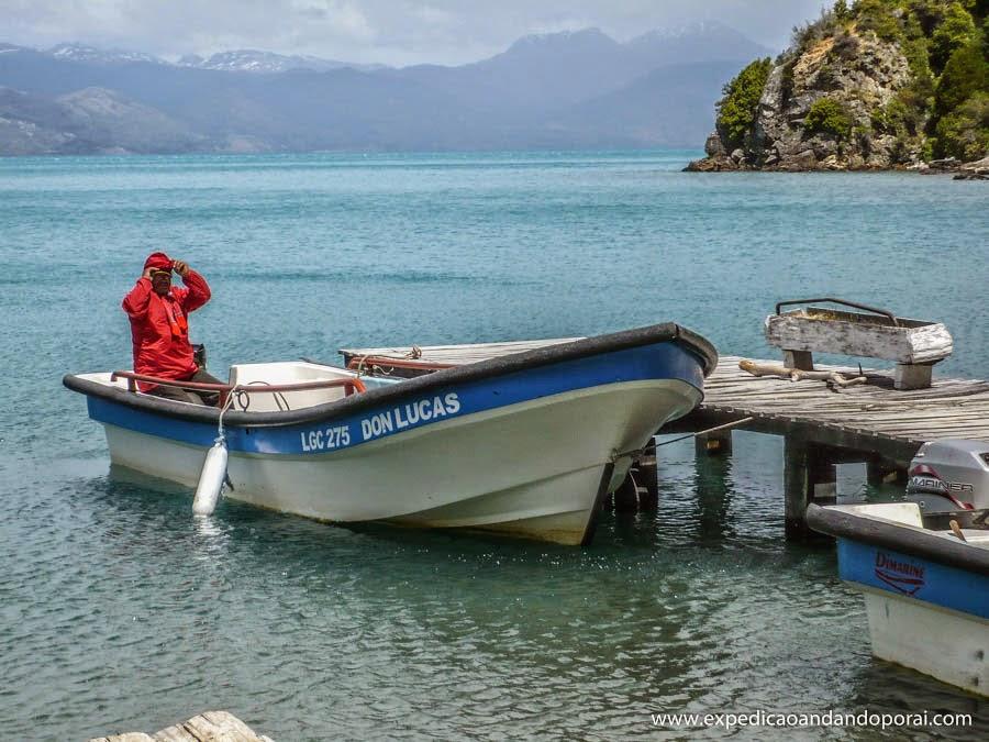 Barco do passeio na Baia Mansa