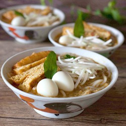 southeast asian vegetarian curry laksa recipe