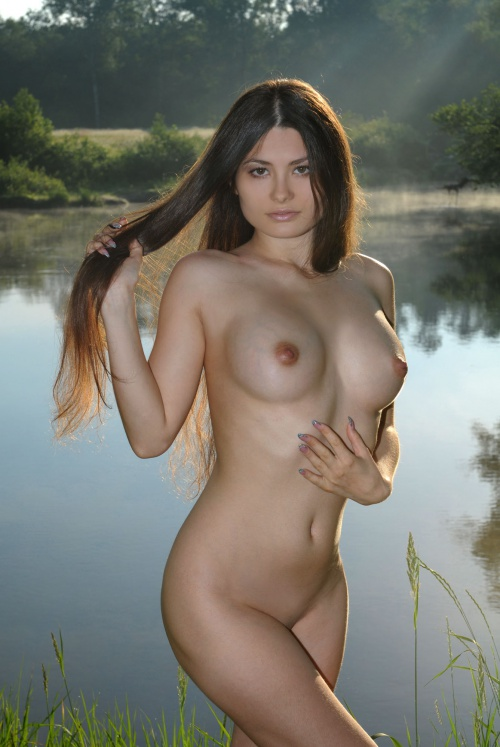 hot nude skinny dipping women