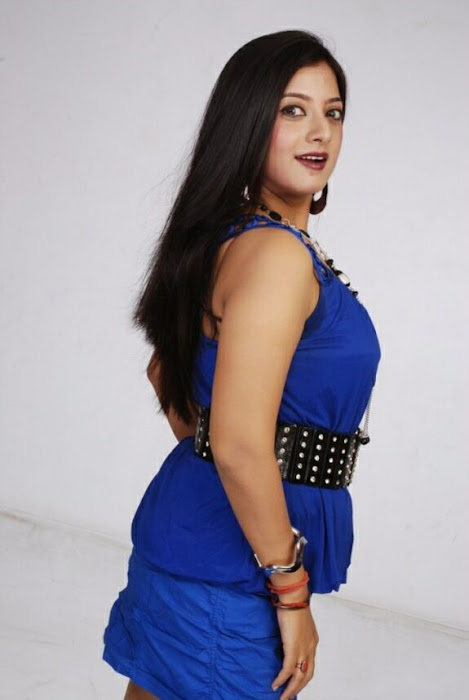 keerthi chawla spicy shoot in blue dress actress pics