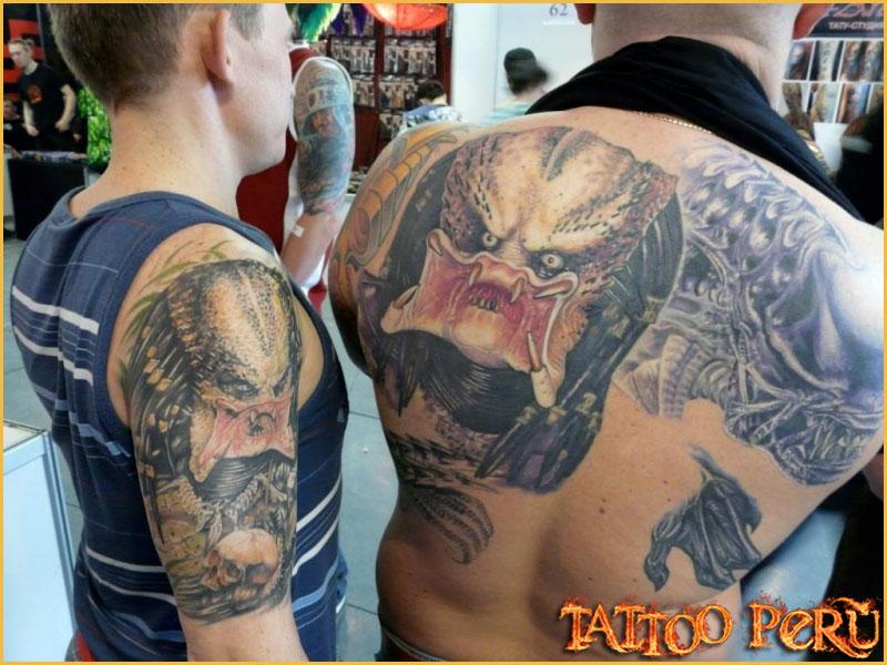 Las mejores fotos de Tatuajes para que puedas conocer como quedan en todas las zonas del cuerpo, así como también todo tipo de tatuajes para que disfrutes de obras de artes:  01_depredador_Arnold_Schwarzenegger