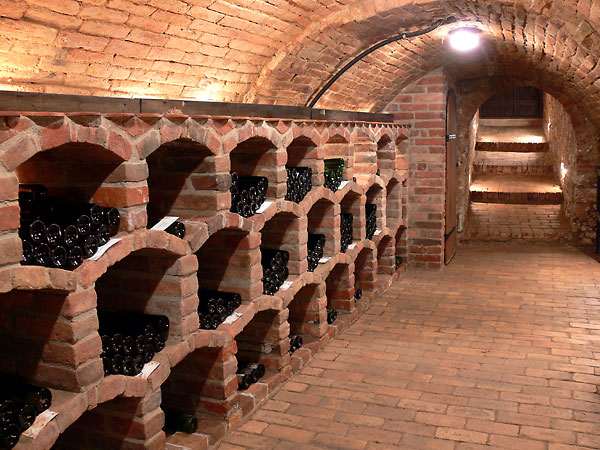 Can you say brick wine cellar? This room has a great arched brick ceiling as well as a brick paver floor and arched brick wine storage bins. : wine cellar floor  - Aeropaca.Org