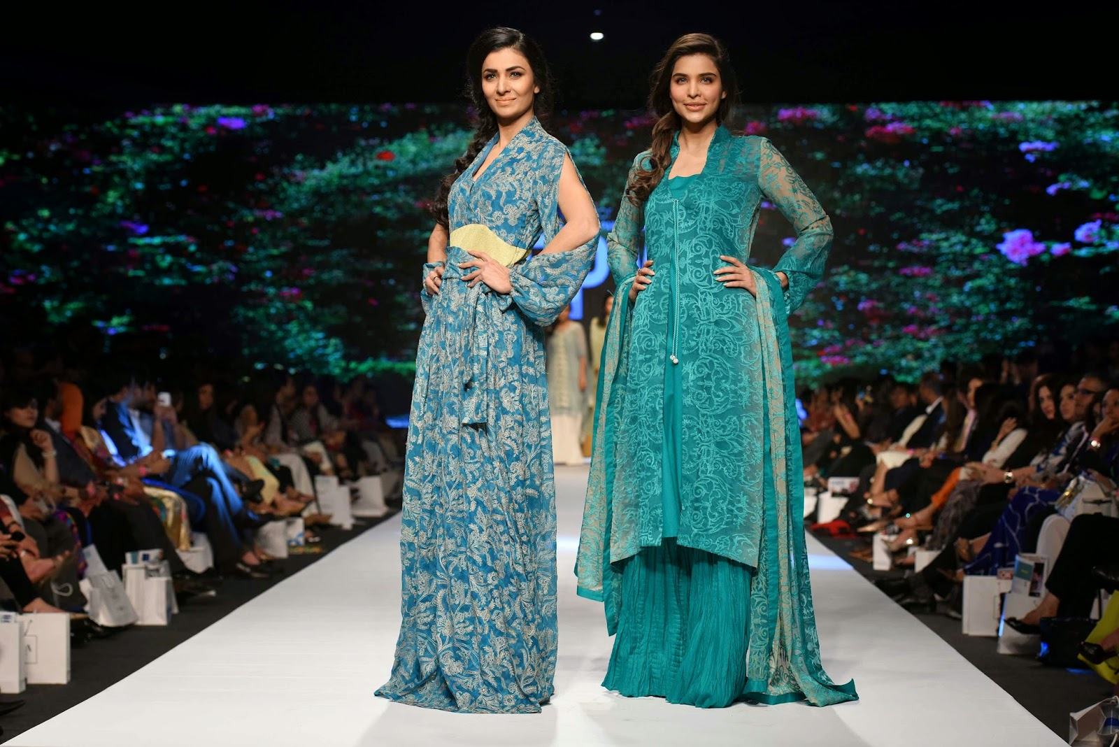 sana sarfaraz Lala Textiles Telenor Fashion Pakistan Week 2015 Day 1