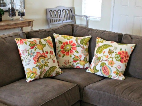 Living Room Throw Pillows