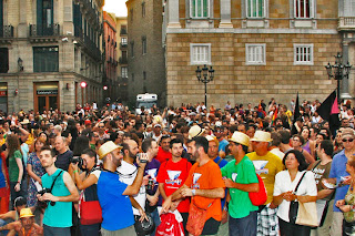 15000 PERSONES.FOTOS MANI