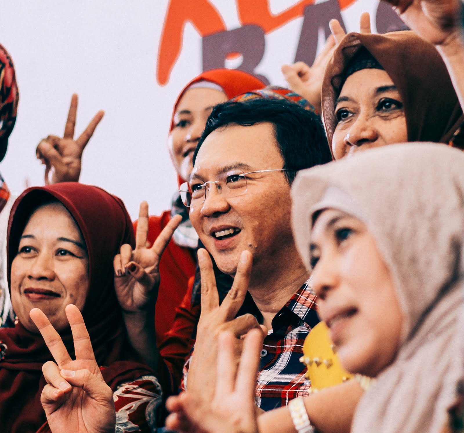Ahok is not the key to the change in jakarta grace filled travel ahok surrounded by muslim supporters in rumah lembang just a day after his first religion blasphemy trial stopboris Gallery