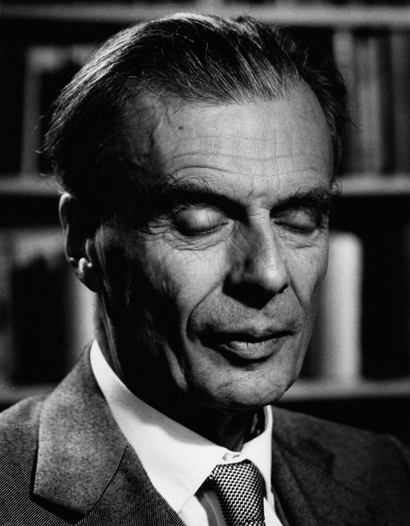 aldous huxley In 1958, five years after his transcendent experience induced by taking four-tenths of a gram of mescalin, aldous huxley (july, 26 1894–november 22, 1963) — legendary author of brave new world.