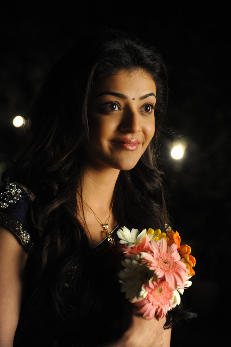 actress tollywood gallery : kajal agarwal cute saree stills from mr