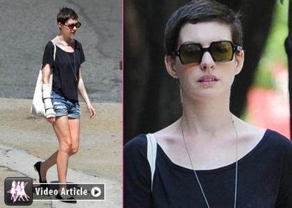 Anne Hathaway's Cast-Free NYC Stroll » Gossip