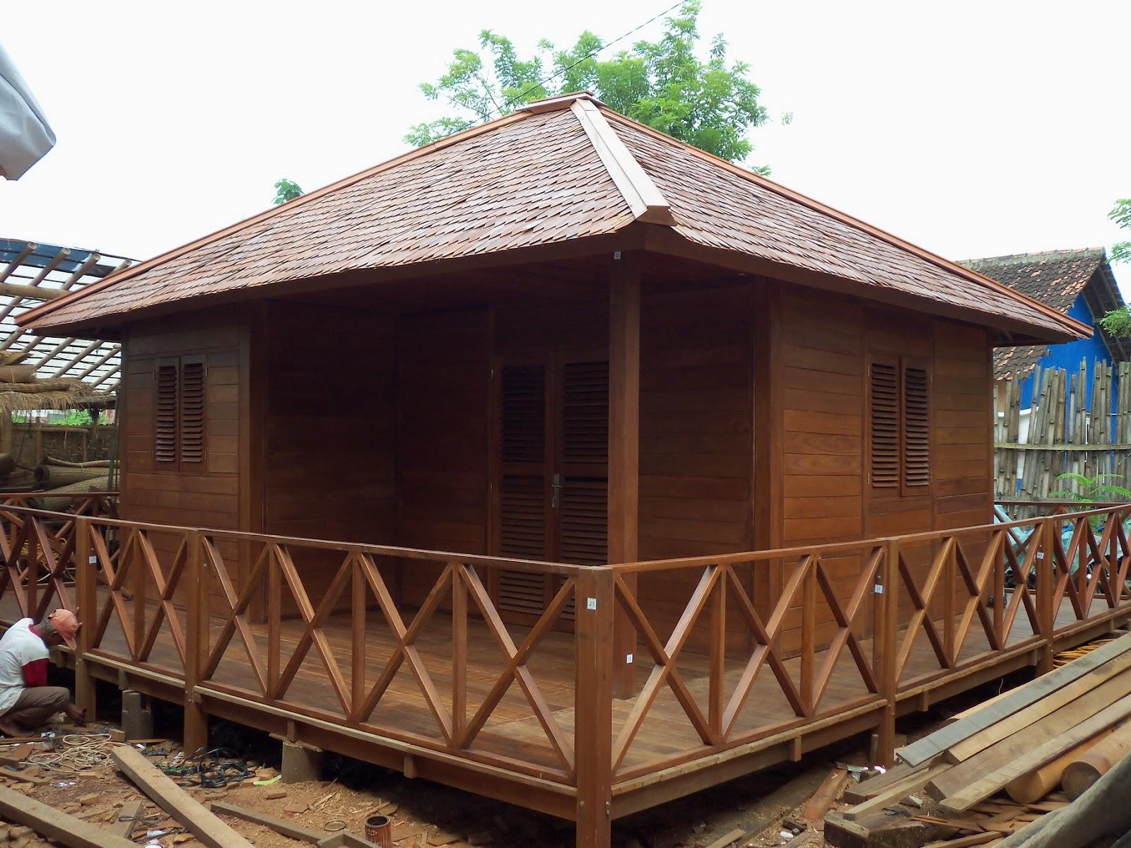 gazebo rumah kayu